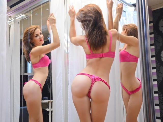 lorelaygarcia-pink-lingerie